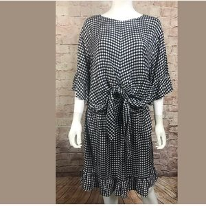 Truth Dress 1X Black White Ruffle 3/4 Bell Sleeve